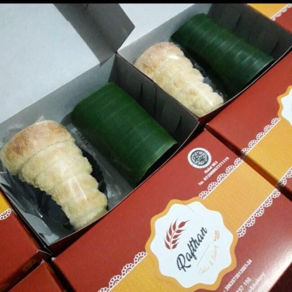 kue kotak malang kuliner halal malang kuliner malang